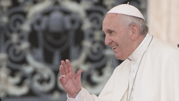 Wiadomo, ile zarabia papież Franciszek, źródło: Wiadomości Radio ZET