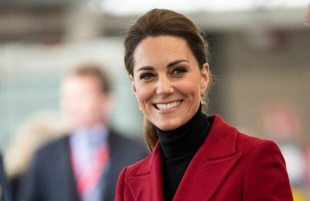 Księżna Kate zupełnie jak normalna kobieta. Została zauważona w supermarkecie
