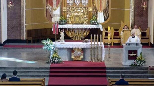 Niepokojące statystyki: czterdzieści osób zakażonych po jednym nabożeństwie w kościele