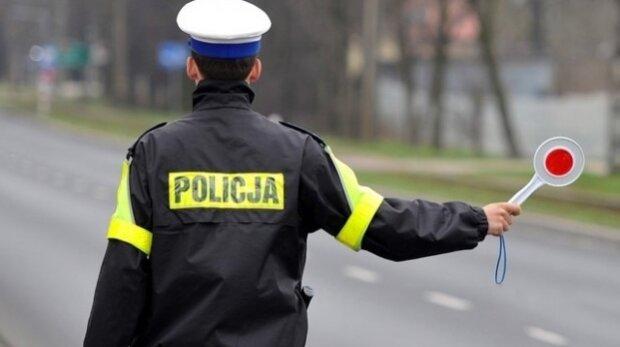 Policjanci skontrolują dzisiaj tysiące pojazdów w całej Polsce. Będą badali pojazdy nietypowym urządzeniem