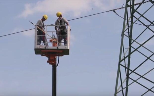 Kraków: liczne przerwy w dostawie prądu w najbliższych dniach. Zakład podał gdzie i kiedy należy się ich spodziewać