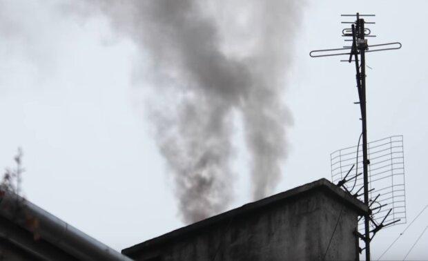 Małopolska: co oznacza nowy Program Ochrony Powietrza dla mieszkańców? Najwięcej pytań dotyczy palenia węglem i drewnem oraz kominków