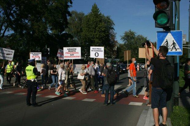 Protesty mieszkańców Krakowa. Kierowcy niezadowoleni z ograniczeń. O co chodzi