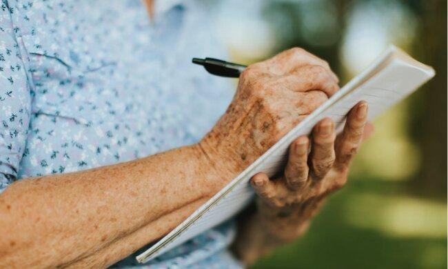 Sześć hormonów, które powodują, że ciało kobiety starzeje się szybciej niż powinno
