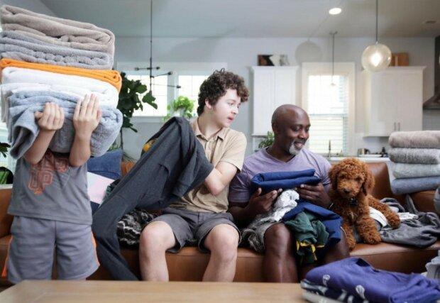 Dzieci obiecały ojcu, że jeśli w domu pojawi się pies, wezmą za niego pełną odpowiedzialność. Post mężczyzny na FB rozbawia do łez