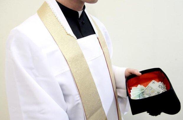 Parafianie ofiarowali księdzu po kolędzie rekordową sumę. W zamian proboszcz obiecał im koncert popularnego zespołu