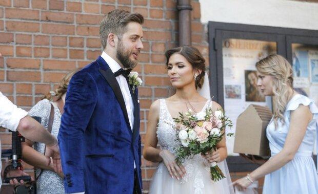 """Gwiazda serialu """"Na wspólnej"""" stanęła na ślubnym kobiercu. Wielkie wydarzenie w świecie seriali"""
