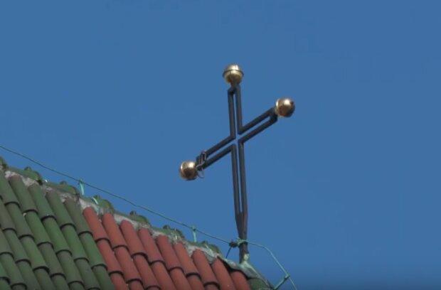 Kraków: kolejna akcja przeciw Kościołowi katolickiemu. Na Rynku Głównym pojawił się punkt zachęcający do apostazji