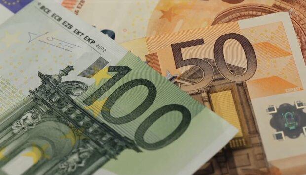Pieniądze. Źródło: youtube.com