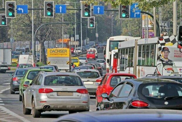 Kraków: poważne modyfikacje w ruchu drogowym na jednej z ulic. Czego mogą się spodziewać kierowcy i rowerzyści
