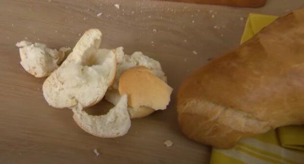 Z czego robiony jest chleb w fabrykach: co sprawia, że bułka jest pulchna, a chleb mięciutki i sprężysty - wstrząsające doniesienia