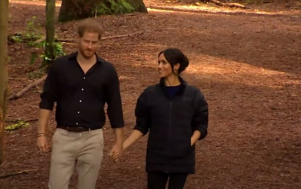 Fani Meghan i Harry'ego analizują najnowsze zdjęcia pary. Czy mają rację o kolejnej ciąży księżnej