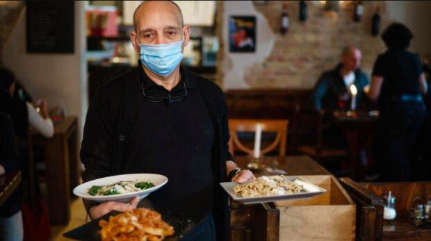 Restauracje podczas koronawirusa. / tvn24.pl
