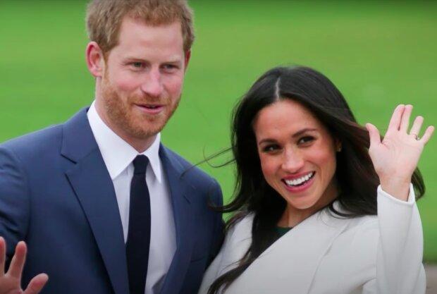 Meghan Markle i książęHarry / YouTube:   E! News