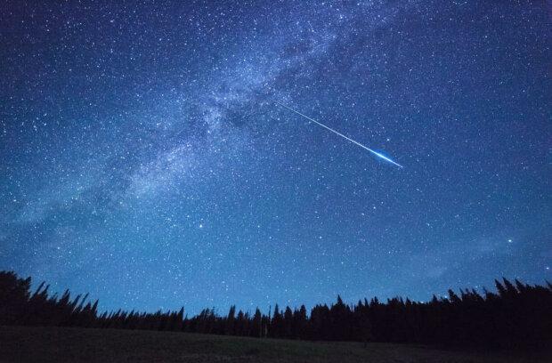 Spadająca asteroida/ https://www.pkt.pl/