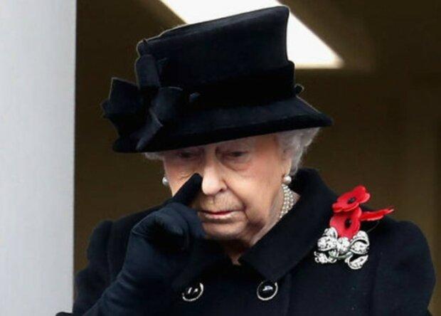 Królowa Elżbieta II zmaga się z potężną stratą. Co się stało