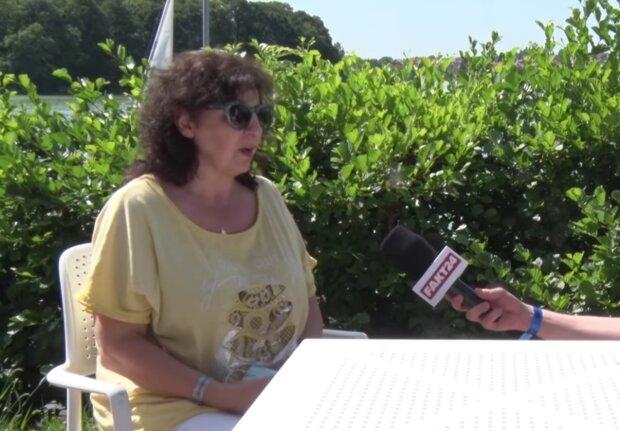 Eleni/ screen youtube