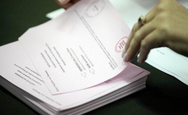 Czy wybory korespondencyjne będą obowiązkowe? Źródło: natemat.pl