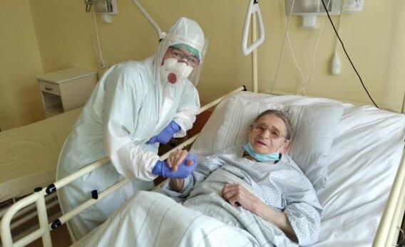 103-latka wygrała z koronawirusem. Źródło: fakt.pl