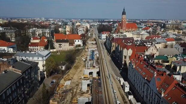 Kraków: powoli posuwają się prace budowlane przy wiadukcie. Inwestycja ma już jednak kilkumiesięczne opóźnienie