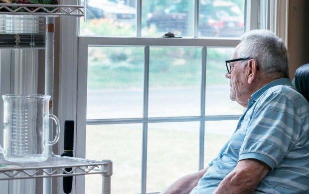 Dziadek siedział w domu opieki i płakał. Miał 80 lat i wszyscy jego krewni go zdradzili. Życie nie dawało powodów do radości
