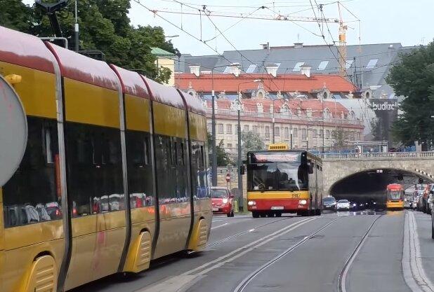 Autobus. Źródło: Youtube