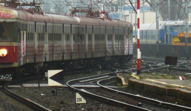 Pilny apel sanepidu do pasażerów pociągu. Jechała nim osoba zakażona koronawirusem