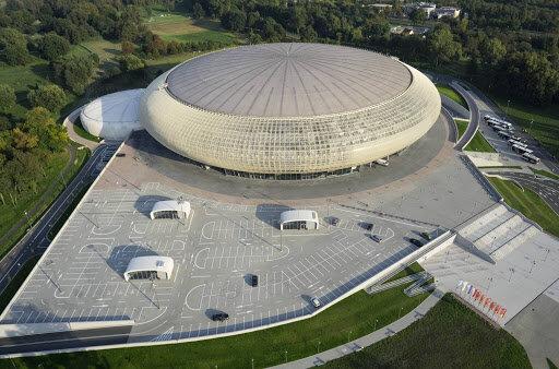 Kraków: służby specjalne pojawiły się na dachu Tauron Areny. Wiadomo już co tam się działo