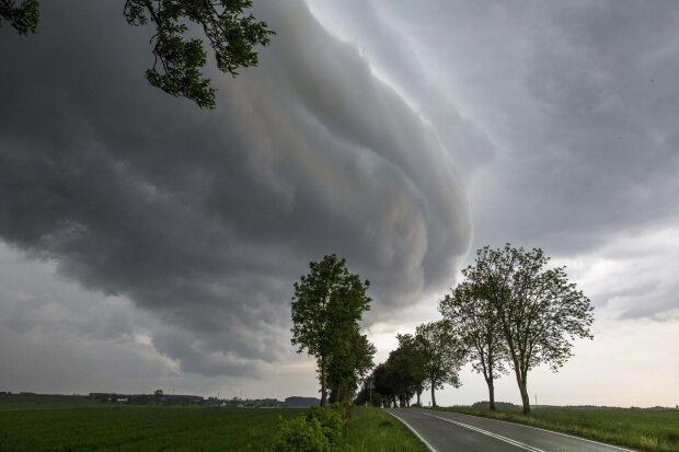 Prognoza pogody na sobotę nie rozpieszcza, źródło: Interia Pogoda