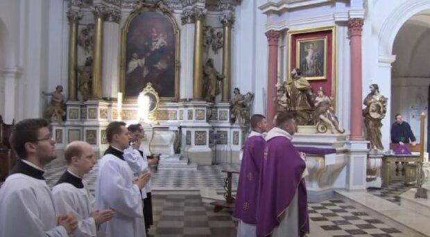 Polacy już nie mogą liczyć na dyspensę. Wracają obowiązkowe niedzielne msze święte