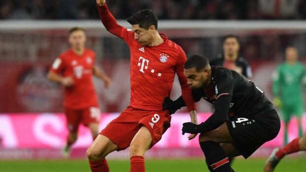 Dobra passa Bayernu Monachium przerwana! Lewandowski bez gola, ale z nieocenionym wsparciem z trybun [FOTO]