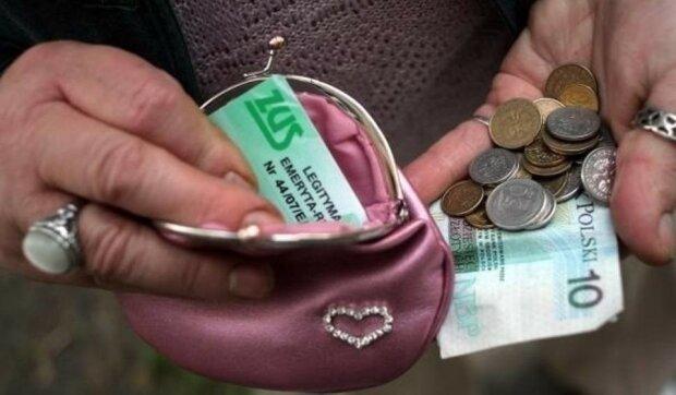 Minimalne emerytury w Polsce mogą być zajęte przez komornika w 25%. Już w tym momencie sytuacja jest dosyć absurdalna
