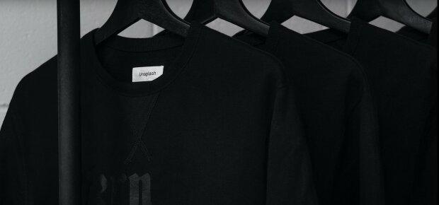 Czarne ubrania/ Youtube
