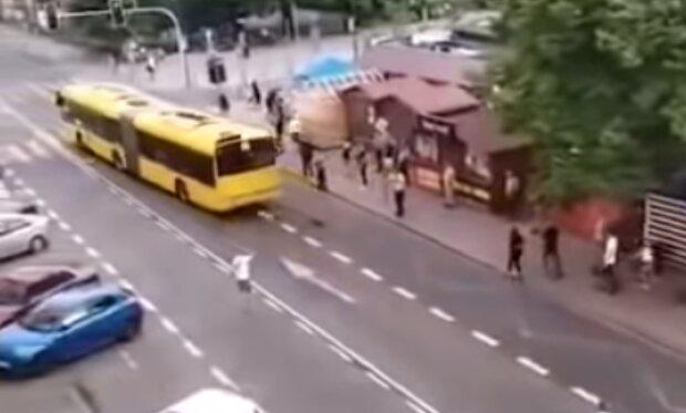 Wypadek w Katowicach/ YouTube @ Zarebsky Vlog