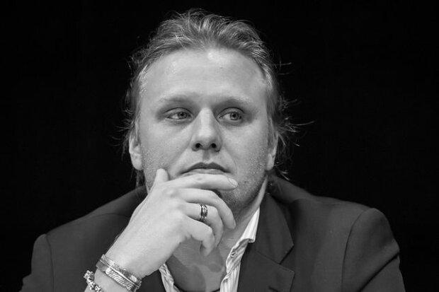 W dalszym ciągu trwa postępowanie w sprawie producenta Piotra Woźniaka-Staraka. Wszystko przez opóźnienia jednej ze służb