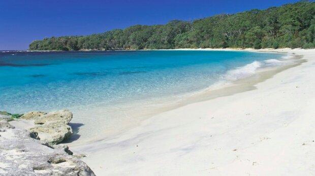 Jak bezpiecznie spędzić wakacje? / australiantraveller.com/