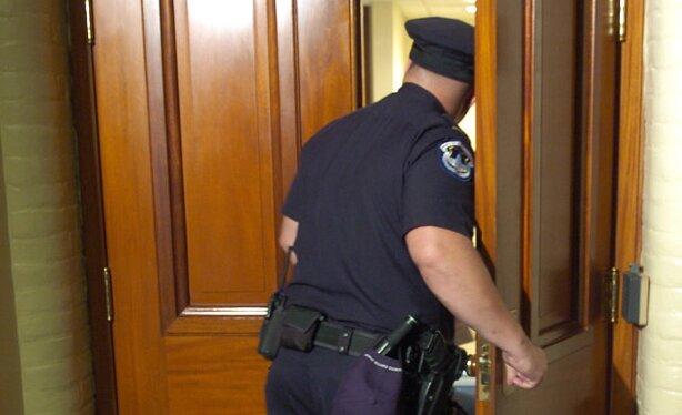 Skarbówka upomni się o pieniądze za abonament RTV. Urzędnicy będą przychodzić do domów bez zapowiedzi
