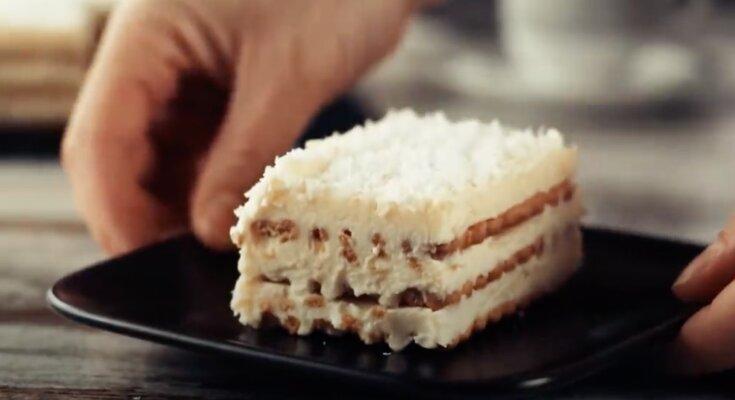 Ciasto bez pieczenia. Screen: YouTube/Smaczny.tv