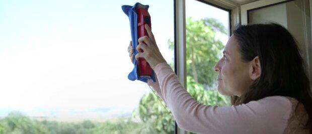 Jak skutecznie umyć okna? / YouTube: Tyroler Bright Tools