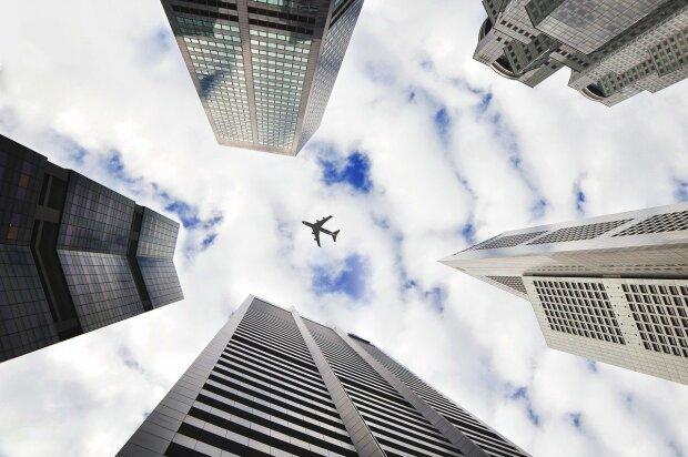 Rząd podjął kolejną decyzję w sprawie lotów międzynarodowych. Polaków czekają spore utrudnienia