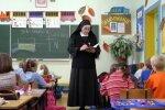 Uczniowie masowo rezygnują z chodzenia na religię. Według katechetów ich rodzice mogą pójść do piekła