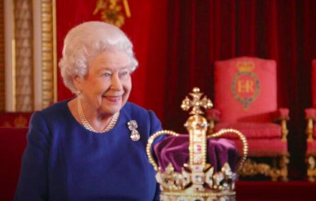 Królowa Elżbieta II / YouTube: Royal Reviewer