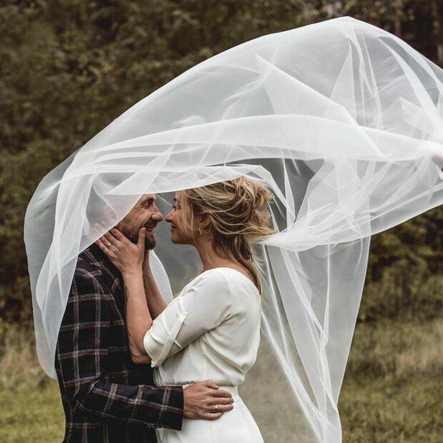 Martyna Wojciechowska dotrzymała obietnicy. Zdjęcia z jej ślubu obiegły internet
