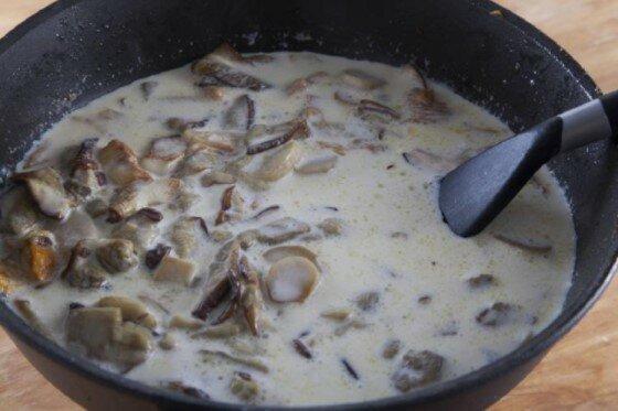 Aromatyczny sos grzybowy przygotowany według włoskiej receptury. Delikatny i pachnący