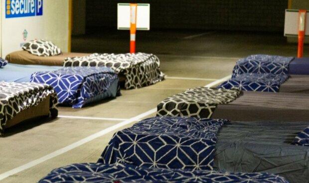 Łóżka dla bezdomnych/screen facebook @Beddown