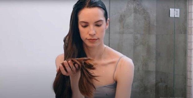 Skuteczny przepis na piękne włosy. Stosowały go nasze babcie