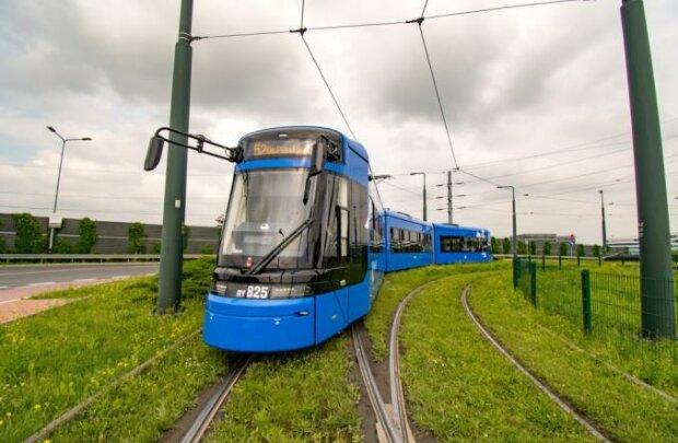Kraków: po mieście jeżdżą już nowe tramwaje. Wiadomo jakie trasy obsługują i dlaczego są wyjątkowe