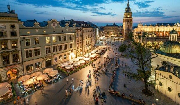 Kraków: na Kazimierzu została przywrócona Strefy Ograniczonego Ruchu. Co trzeba wiedzieć