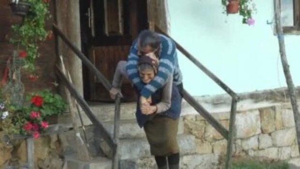 Niezwykły przykład matczynej miłości przez całe życie. Takie poświęcenie zdarza się niezwykle rzadko