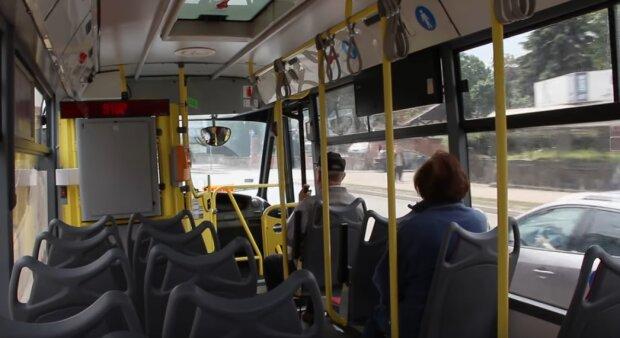 Gdańsk: niebezpieczne zdarzenie w komunikacji miejskiej. Nieznany sprawca na cel wziął sobie kierowcę autobusu. Co się stało